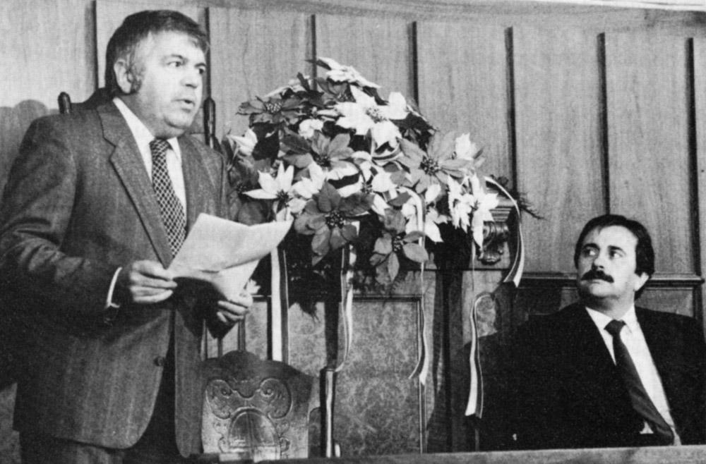 1984 - Il presidente Giacomo Morellini reca il saluto augurale alle autorità comunali nella cerimonia di inizio anno (Fotogonnella)