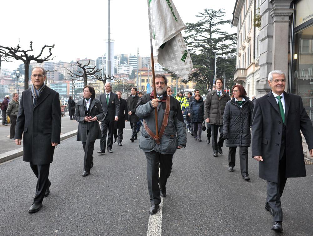 1. gennaio 2010 - Il corteo verso il Palazzo dei Congressi